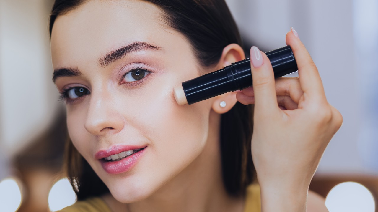 Foundation Makeup That Every Girl Must Have As Basic Beauty Mantra