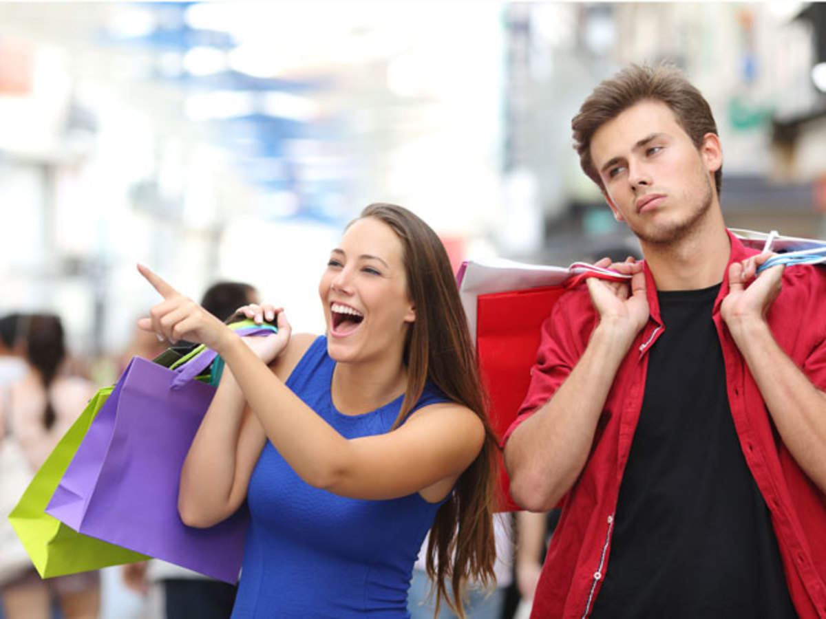 Women Obsessed With Online Shopping Craze