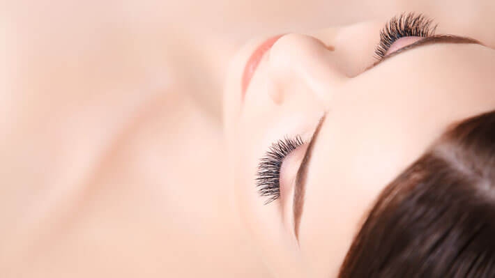 Essential Tips When Using Eye Lash Extensions